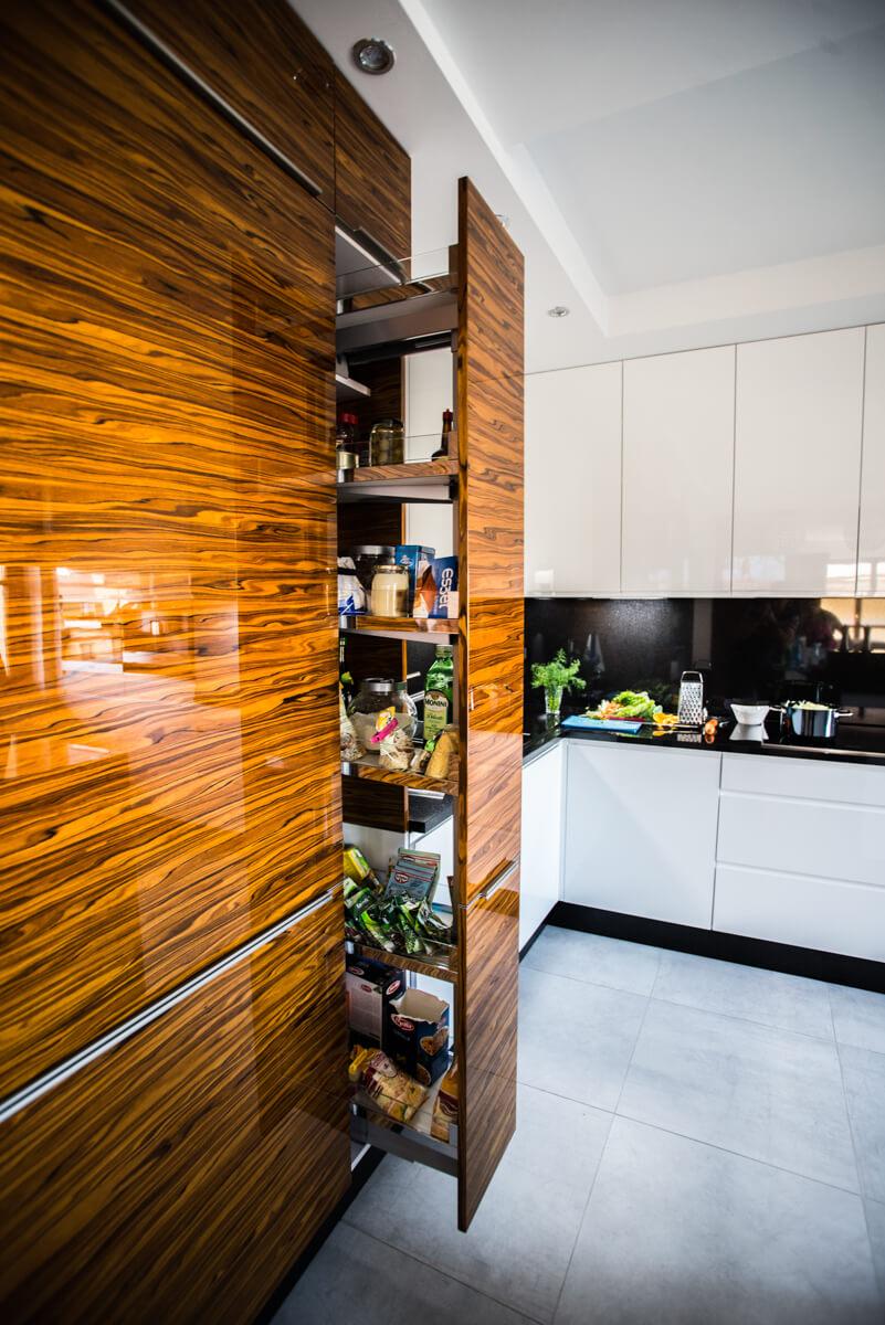 https://www.klimaty-mebli.pl/wp-content/uploads/2019/11/klimaty-mebli-swidnica-kuchnie-na-wymiar-glamour-6.jpg