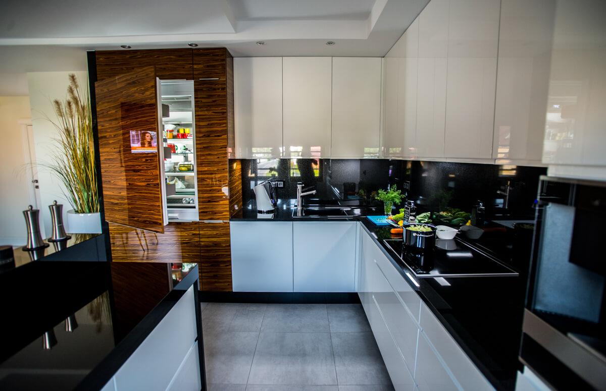 https://www.klimaty-mebli.pl/wp-content/uploads/2019/11/klimaty-mebli-swidnica-kuchnie-na-wymiar-glamour-8.jpg